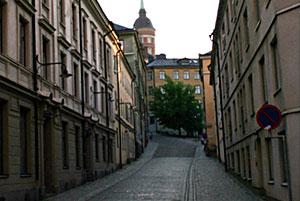 Bastugatans start med Laurinska huset (tornet) i bakgrunden