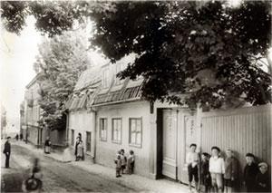 Bastugatan 21-23 på 1910-talet. Huset revs i  slutet av 1920-talet